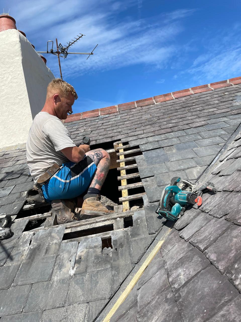Slate roof repair in Porthmadoc.